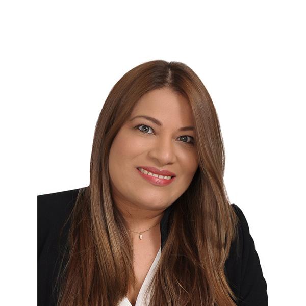 Eliana López - Directora comercial 7