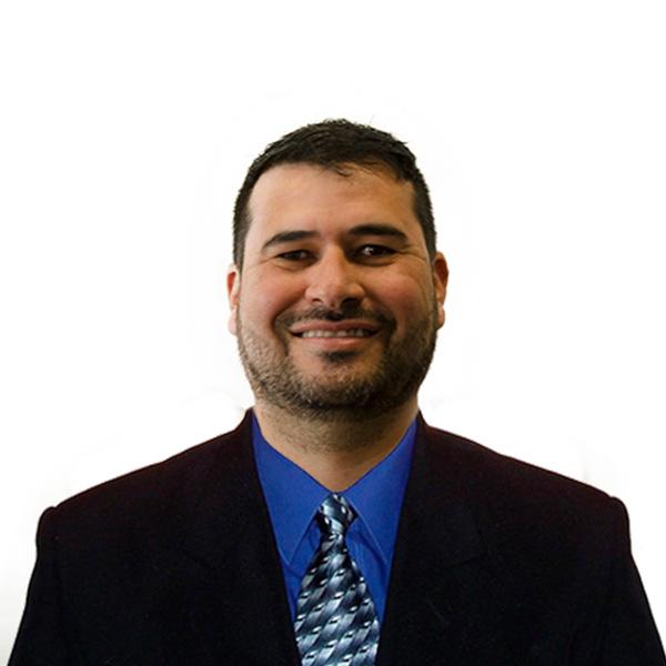 Ricardo Martinez - Gerente de Servicio al Cliente 3