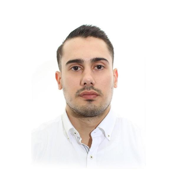 Jorge Gutierrez - Asesor comercial 15