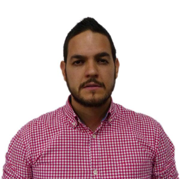 Camilo Vélez - Director Mercadeo 8